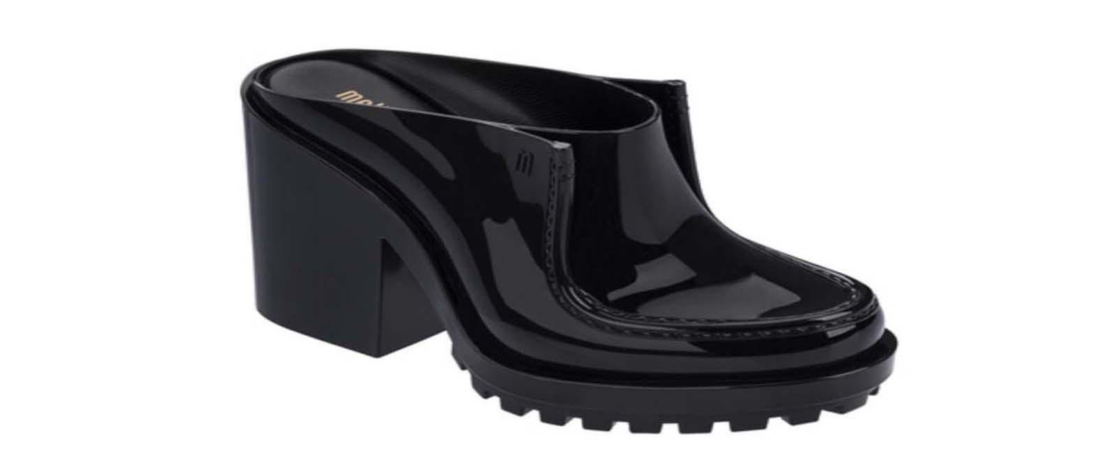 Melissale oferece calçados da linha FLYGRL com até 50% off